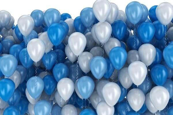 palloncini blu per la Giornata mondiale per la consapevolezza sull'autismo